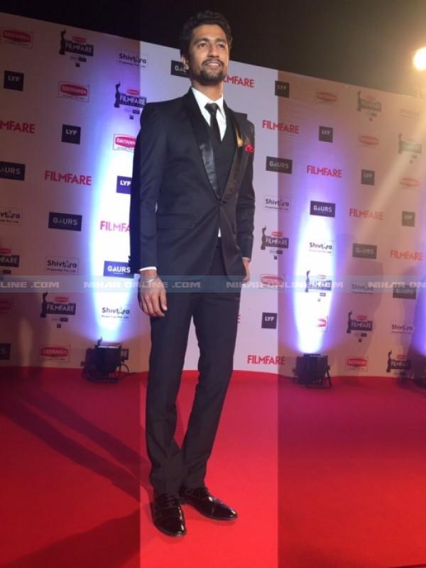 Filmfare Awards-2016 Red Carpet Photos